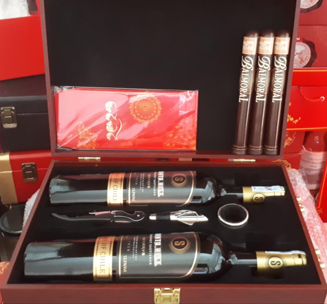 Hộp Quà tết 2 chai rượu vang Chi Lê + 3 đếu Cigar + Bao lì xì0